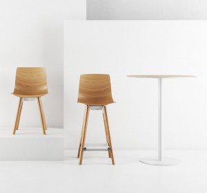 CroppedFocusedImage70065050-50-Loku-chair-stool-table-Shin-Azumi-oak